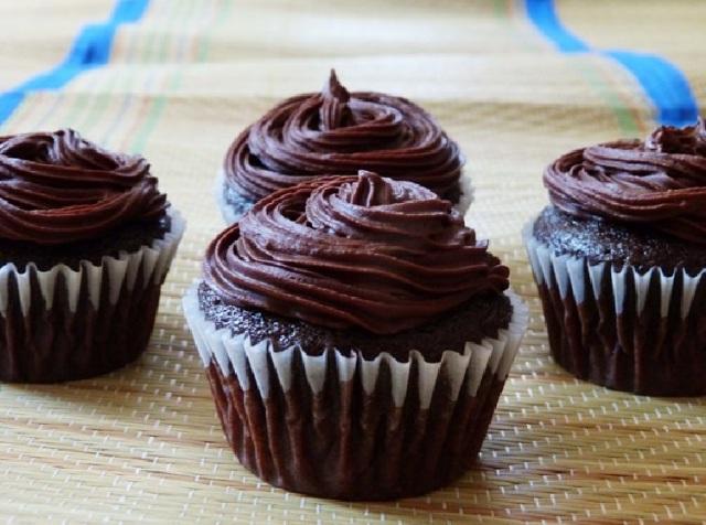 Eggless Chocolate cupcakes3