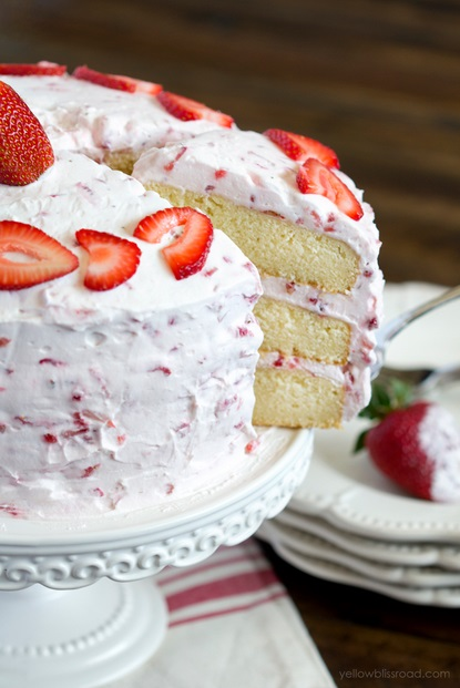 fresh strawberry cake2
