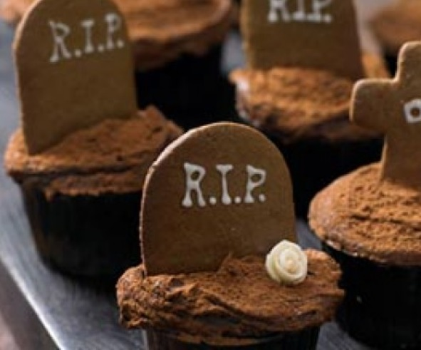 undead gingerbread cupcakes