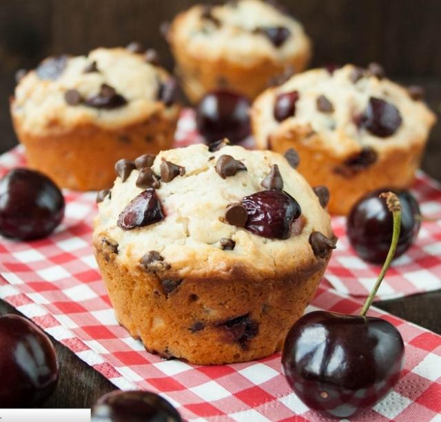 Cherry Choco Chip Muffins2