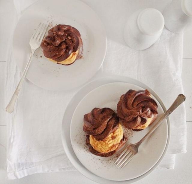 Choco-Puffs-Pumpkin-Whipped Cream IAB2