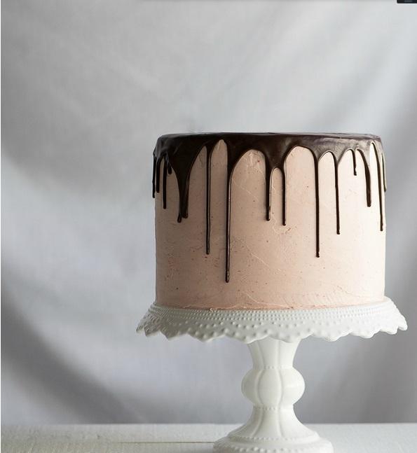 Chocolate Vanilla Tuxedo Cake PC