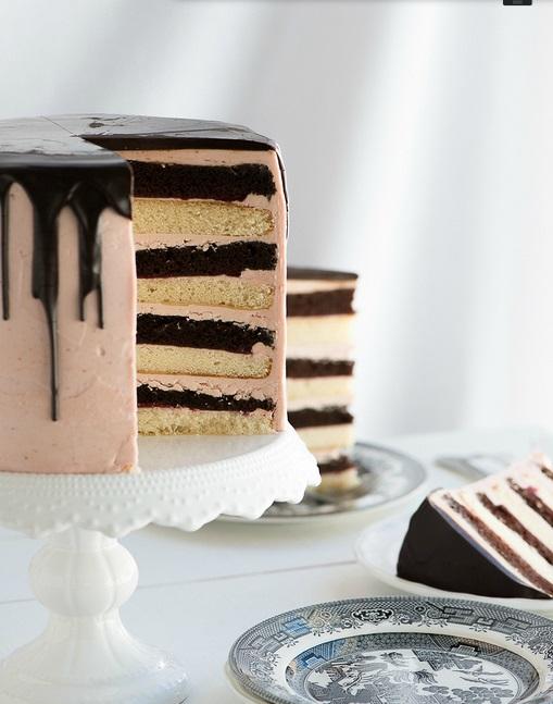 Chocolate Vanilla Tuxedo Cake PC3